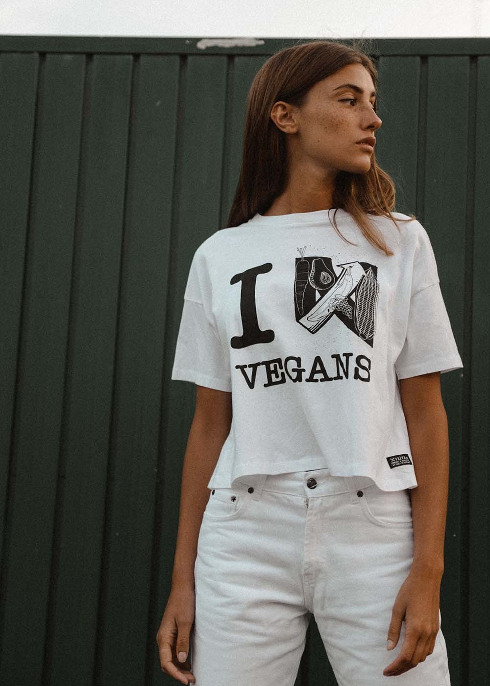 LOVE VEGANS T-SHIRT