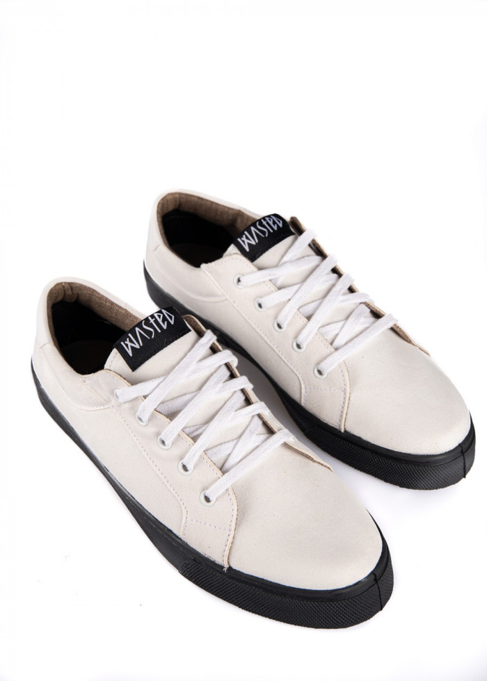 WHITE/BLACK SALLY SHOE